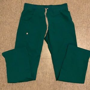 Hunter green cargo fig pants